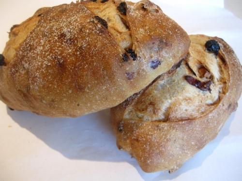 裸麥無花果手工麵包-樂果手創烘焙-歐式麵包